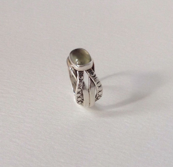 Sterling silver interlocked ring